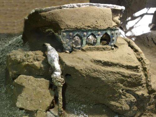 Pompei: la scoperta sensazionale di un carro cerimoniale.